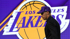 Cain: No matter who signs, Ball is the face of Lakers