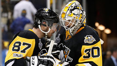 Crosby told Penguins he would 'love to get the nod' in net in an emergency