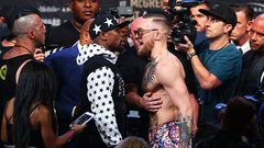 Mayweather gives himself a 'boost' in New York