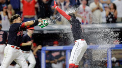 MLB: Blue Jays 1, Indians 2 (10)