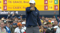 Must See: Spieth pours in long-range eagle putt on 15 to regain the lead