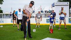 PGA pros take a shot at hockey