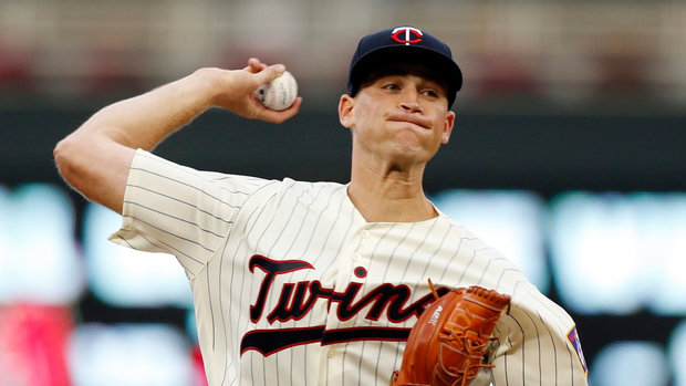 MLB: Indians 2, Twins 4 (GM 2)