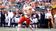 Mahomes brings flare to Chiefs