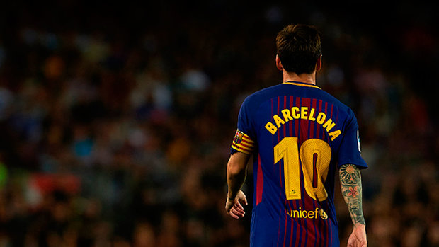 Could Messi swap Barcelona for Manchester City?