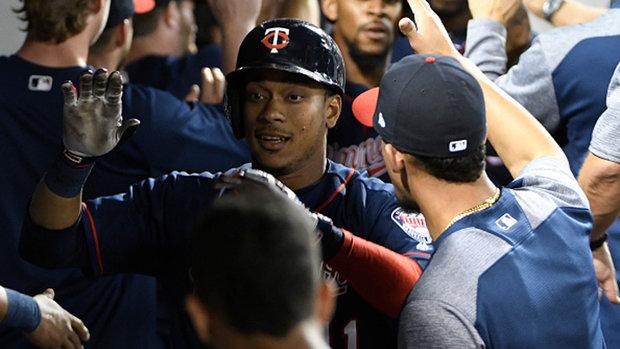 MLB: Twins 10, White Sox 2 (GM 2)