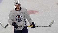 McDavid impressive in Oilers scrimmage