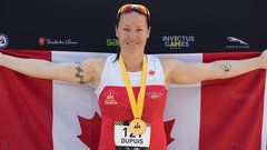 Dupuis wins gold in 400m; Pinball hands out medals