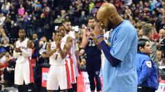 TSN Rewind: Carter sheds a tear during Raptors tribute