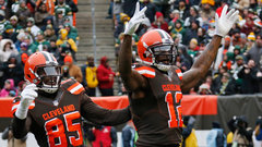 Must See: Josh Gordon hauls in first TD in nearly four years
