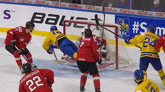 Must See: Pettersson showcases beautiful hands