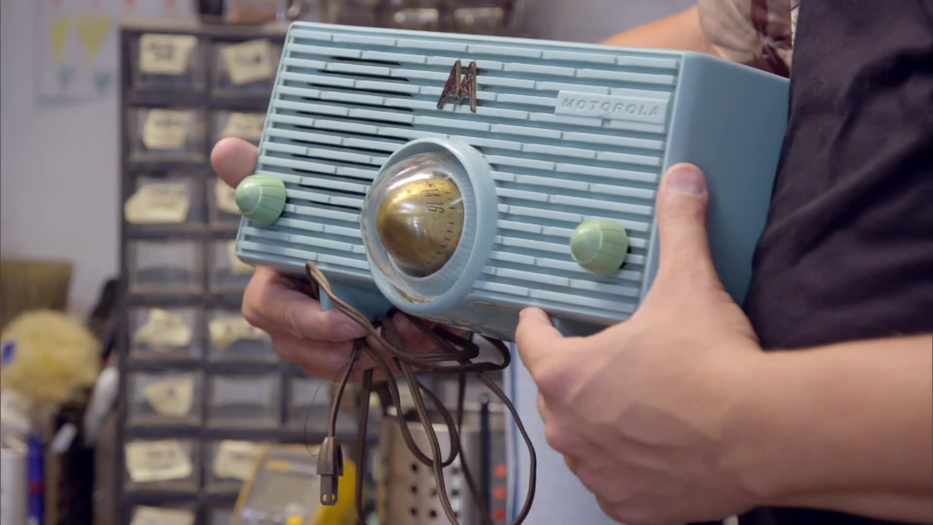 Vintage Tech Hunters | Discovery Canada | Watch Full