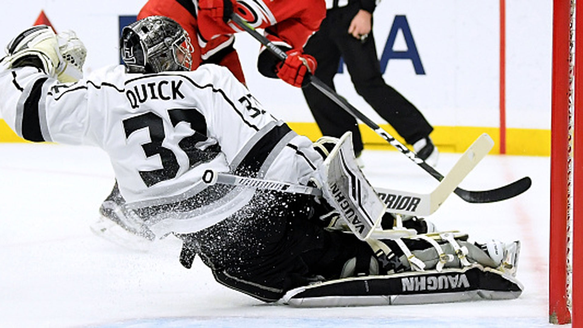 Quick Gets 50th Shutout In Kings Win Over Hurricanes