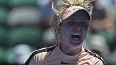 Svitolina overcomes early hole to reach third round