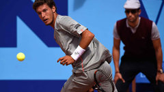 Must See: Carreno Busta's tweener finishes first set