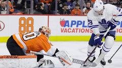 Leafs blow another lead thanks to poor puck management