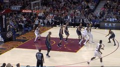 Must See: LeBron shows off with mind-blowing assist