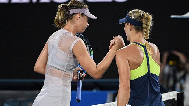Kerber beats Sharapova in straight sets to advance