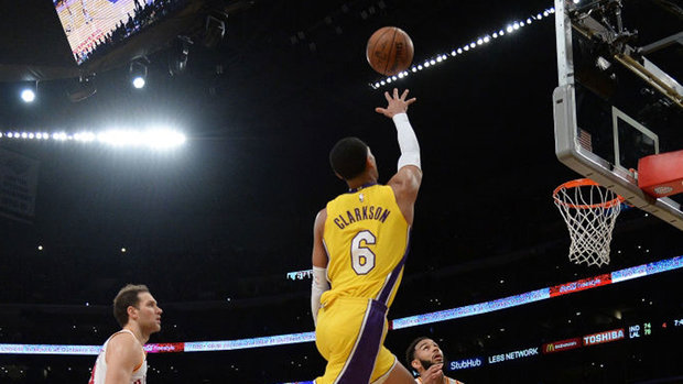 NBA: Pacers 86, Lakers 99