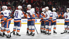 NHL: Islanders 7, Blackhawks 3