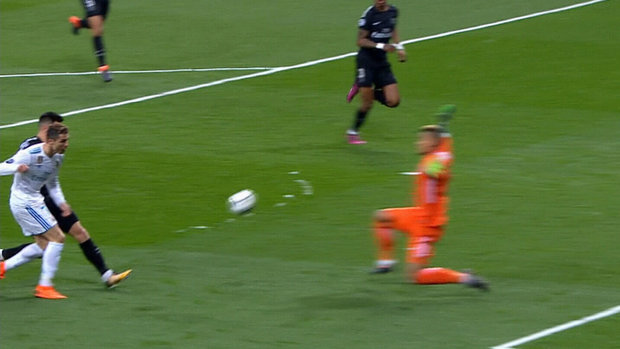 Must See: Ronaldo denied by PSG keepers face