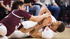 NCAA: (21) Texas A&M 75, Arkansas 94