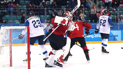 Poulin saves the day for Canada