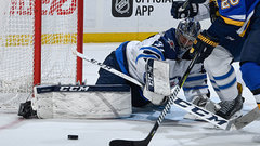 NHL: Jets 4, Blues 0