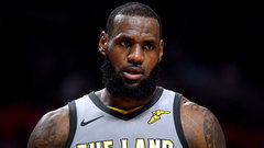 Jackson: LeBron 'only superstar who needs to be told he's great'
