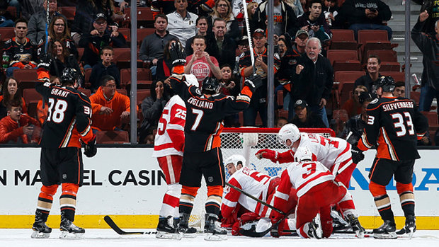 NHL: Red Wings 2, Ducks 4