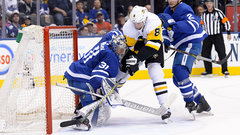 Dreger: Might be easier to get everyone to understand goalie interference rule than change it