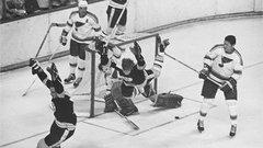 Bruins legend Bobby Orr turns 70