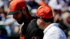 Bumgarner breaks hand after being struck by line drive