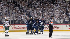 Jets flex their muscle in Game 5 to advance