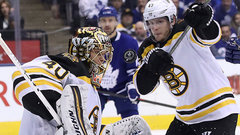 Bruins benefiting from better goaltending and defence