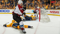 NHL: Avalanche 2, Predators 1