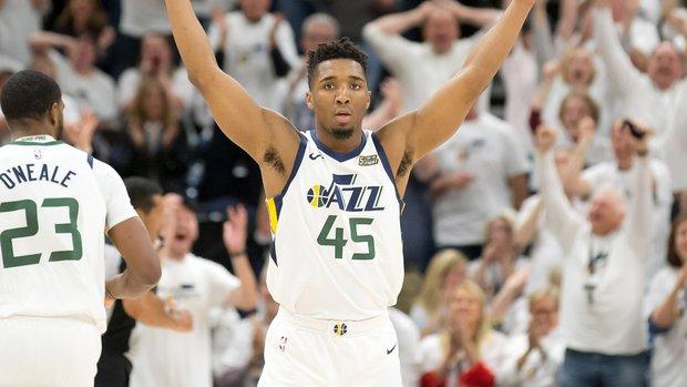 Mitchell shines, Jazz take 3-1 series lead