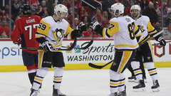 Pens' top line propels comeback against Caps