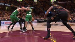 Must See: LeBron drops lefty dime to Thompson