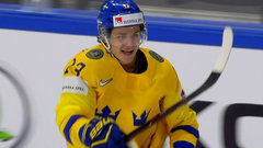 Must See: Sweden scores twice in 11 seconds to open big lead
