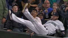 Must See: Haniger makes catch and tumbles into crowd