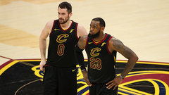Without Love, more pressure falls on LeBron's shoulders