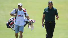 Must See: Mickelson posts a 10 after putting penalty