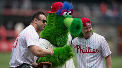 Phillips shares when the Philly Phanatic completely embarrassed him during the 1993 World Series
