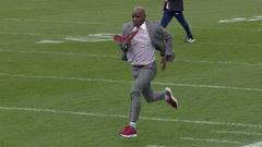 Stegall runs a 5.09 40-yard dash...in a suit