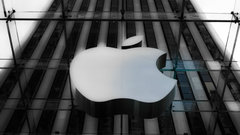 Apple hires new AI chief