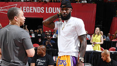 Hollins: LeBron will be patient with Lakers