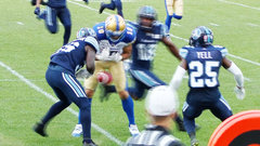 Washington scoops, Argos score to stay in the game