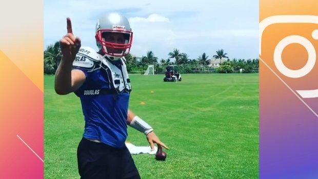 Must See: Brady chucks deep ball to receiver on golf cart