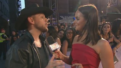 Brett Kissel Says Bebe Rexha Can Sing Better Than Anyone | 2018 iHeartRadio MMVA Red Carpet